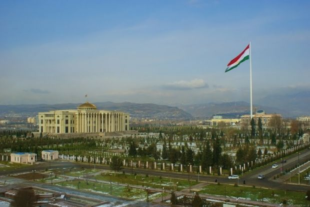 В Таджикистане отменили последний звонок в школах / panoramio.com