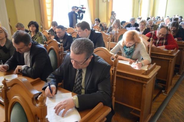 Мешканці Львова пишуть клопотання про взяття на поруки активістів