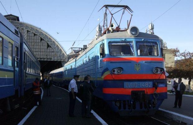 """Поезд """"Львов - Киев"""" задержали на 3,5 часа / УЗ"""