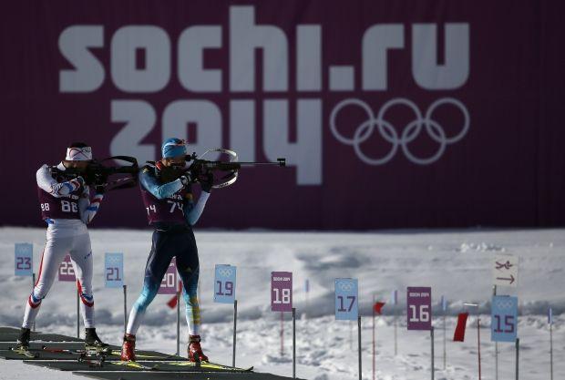 Российских биатлонистов могут дисквалифицировать в полном составе уже через неделю / REUTERS