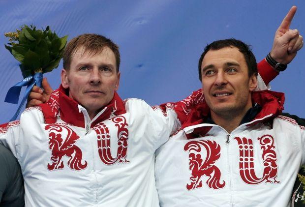 Зубков (зліва) і його партнер Воєвода були дискваліфіковані і позбавлені медалей Ігор-2014 в 2018 році / Reuters
