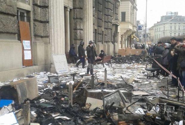 Одно из захваченных зданий силовиков сво Львове, 032.ua