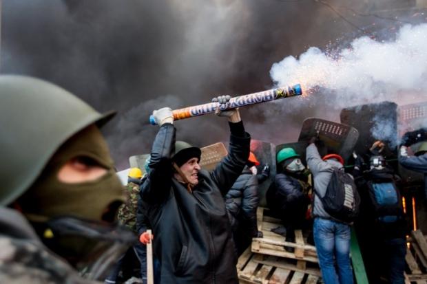 Луценко говорит, что митингующим будет чем защищаться