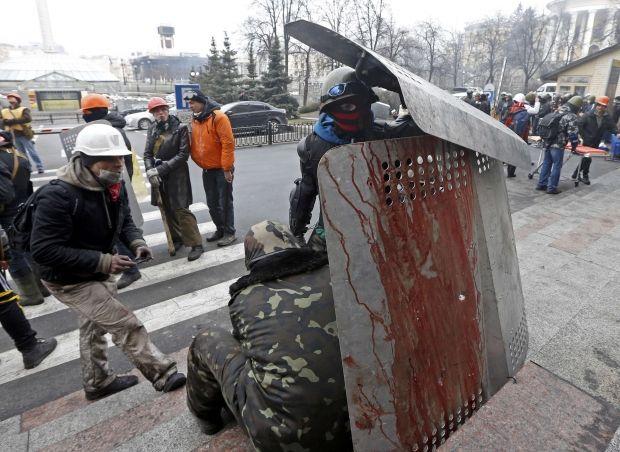 Силовики Майдана требуют прекращения огня