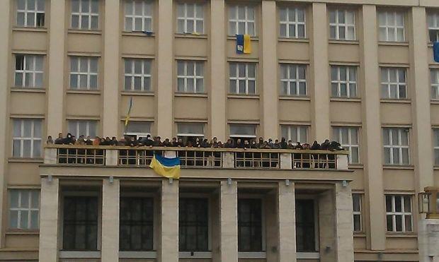Захваченная демонстрантами Закарпатская ОГА