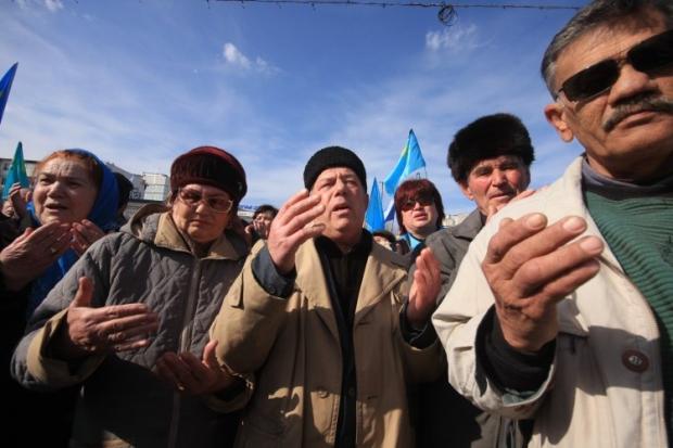 Татари на мітингу