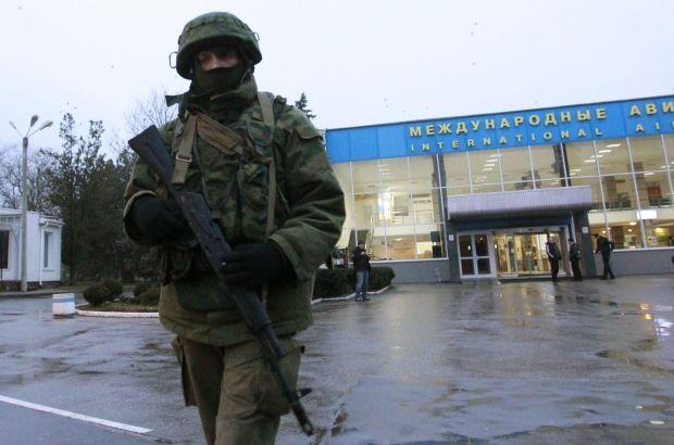 Аэропорт Симферополь, военные / REUTERS