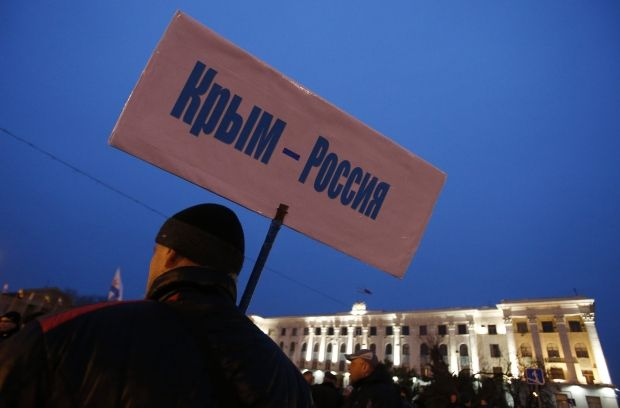 Crimea to decide whether they want to join Russia at Referendum on March 16 / REUTERS