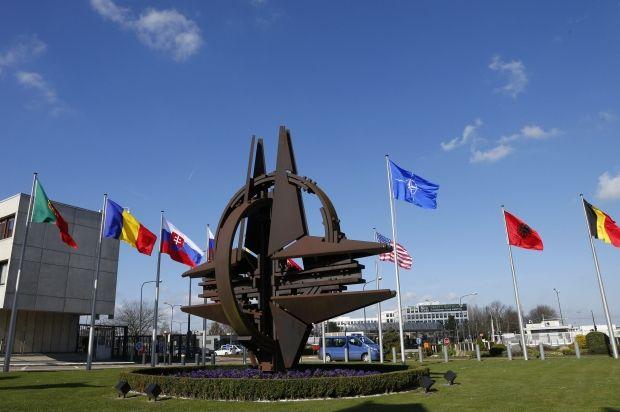 Юридически НАТО не имеет оснований вводить войска в Крым / Reuters