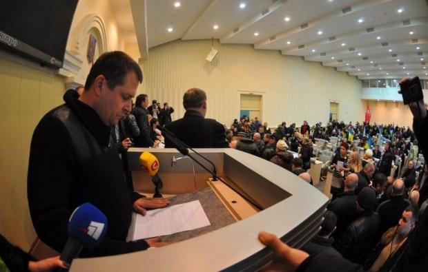 Борис Филатов заверил, что власть не допустит захвата зданий