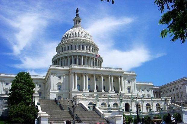 Конгрес США на Капітолійському пагорбі у Вашингтоні / uk.wikipedia.org