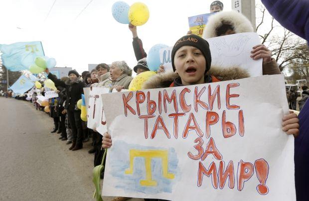 Татары протестуют против незаконного референдума / REUTERS
