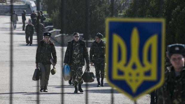 Украинских солдат вывезут на поездах / REUTERS