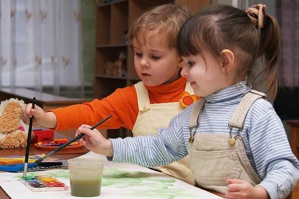 дети рисовать / Фото: muravlenko.bezformata.ru
