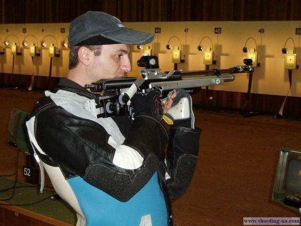 Сейчас Айвазян продолжает тренироваться, выезжать на сборы, но выступает только на российских соревнованиях / shooting-ua.com