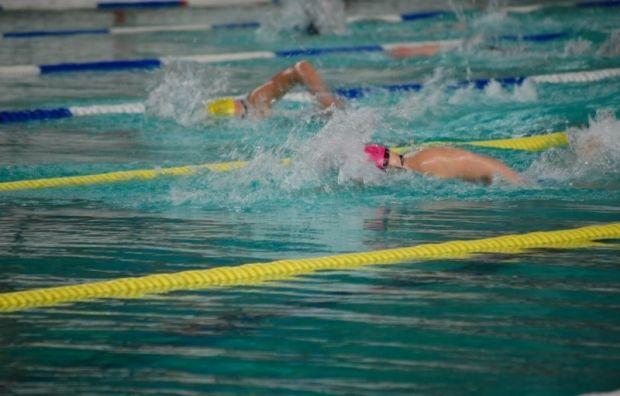 Плавание - среди популярных видов нагрузки для похудения / usf.org.ua