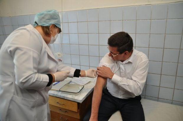 поставлена вакцина для профілактики дифтерії, правця у дорослих (АДП-М) – 1 599 600 доз / Фото: УНИАН