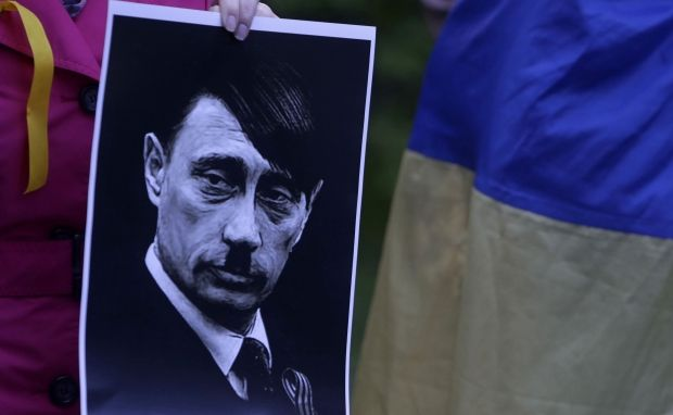 Putin keeps being compared to Hitler / REUTERS