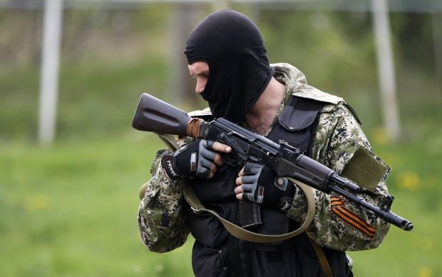 "Terrorist install ""Fagot"" rocket complex at roadblocks of Slaviansk/REUTERS"