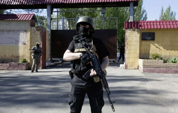 Armed Don Cossacks seize election committee in Krasnyi Lutch/REUTERS