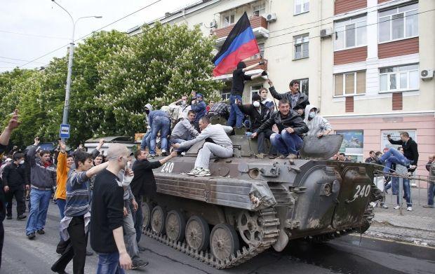 танк мариуполь / REUTERS