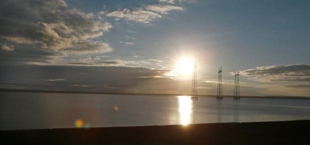 Крым получает электроэнергию с материковой Украины / Фото УНИАН