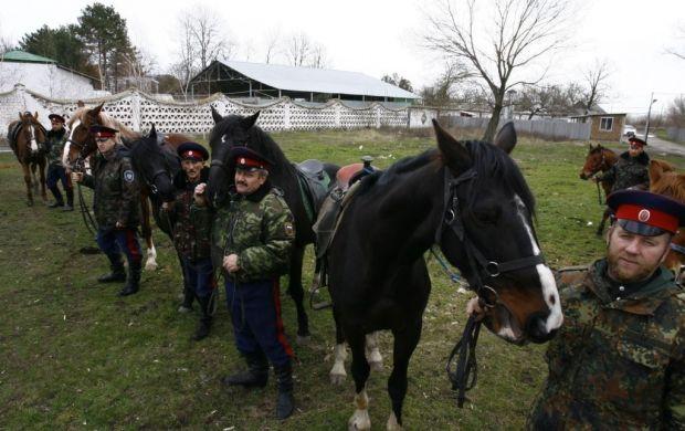 Российские казаки в Антраците заявили, что выборы президента Украины, в донбасском регионе проводиться не будут / Фото: