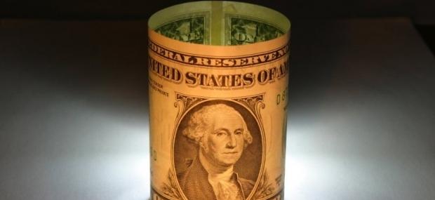 На межбанке подешевели доллар и евро / Фото УНИАН
