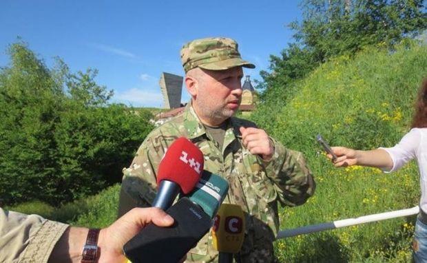 Турчинов заявил, что власть обеспечит выборы на востоке / Аркадий Бабченко / facebook.com/babchenkoa
