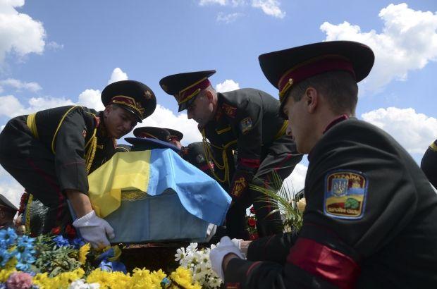Погибли еще 8 солдат / REUTERS
