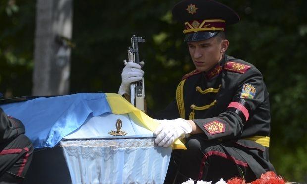 Вночі від нападу терористів знов загинули українські військові / REUTERS