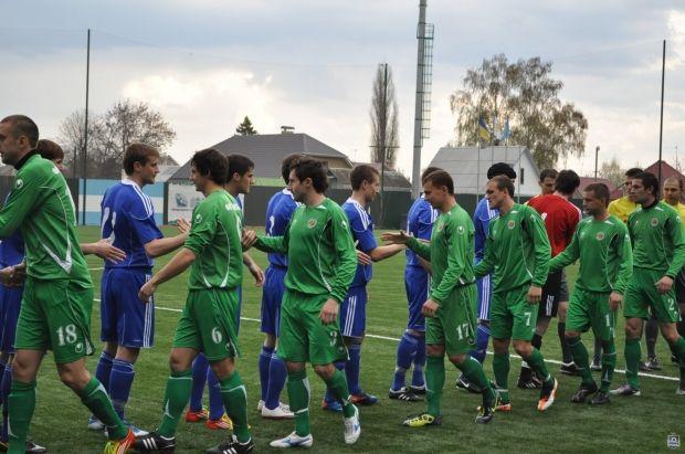 Гравці краматорського Авангарду (в зеленій формі) залишаться в Першій лізі / fckremen.com