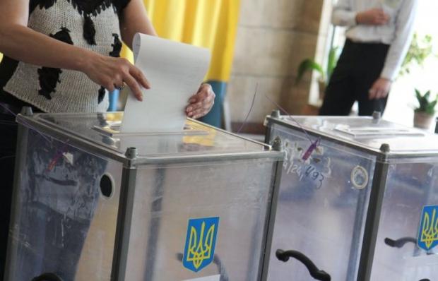 Окружні виборчі комісії самі закуплять архівні бокси / фото УНІАН