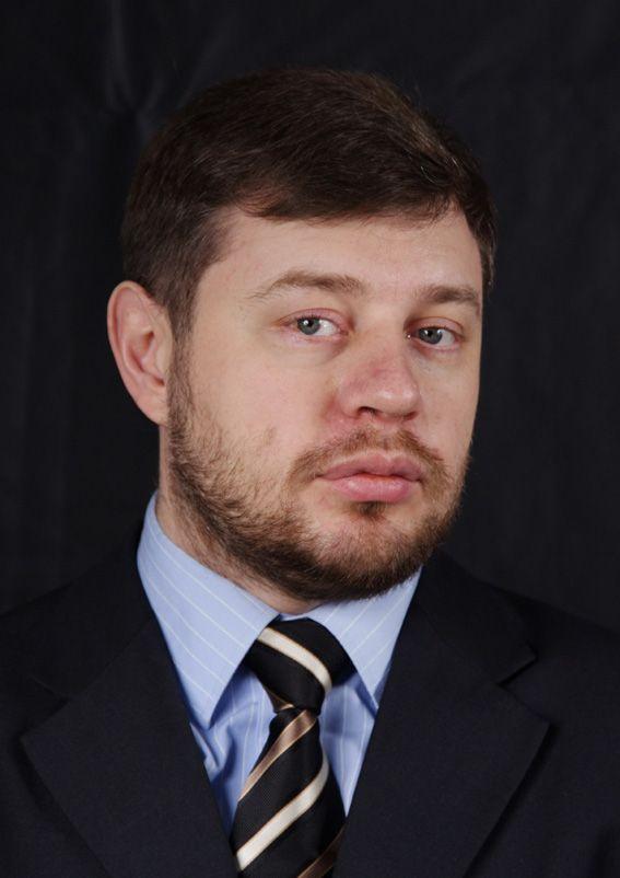 Проректор по научно-богословской работе – Бурега Владимир Викторович, кандидат богословия, кандидат исторических наук, профессор.