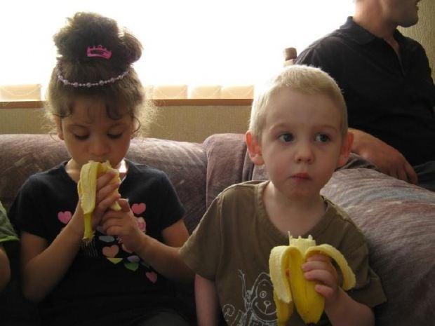 діти дуже люблять традиційні новорічні солодкі подарунки