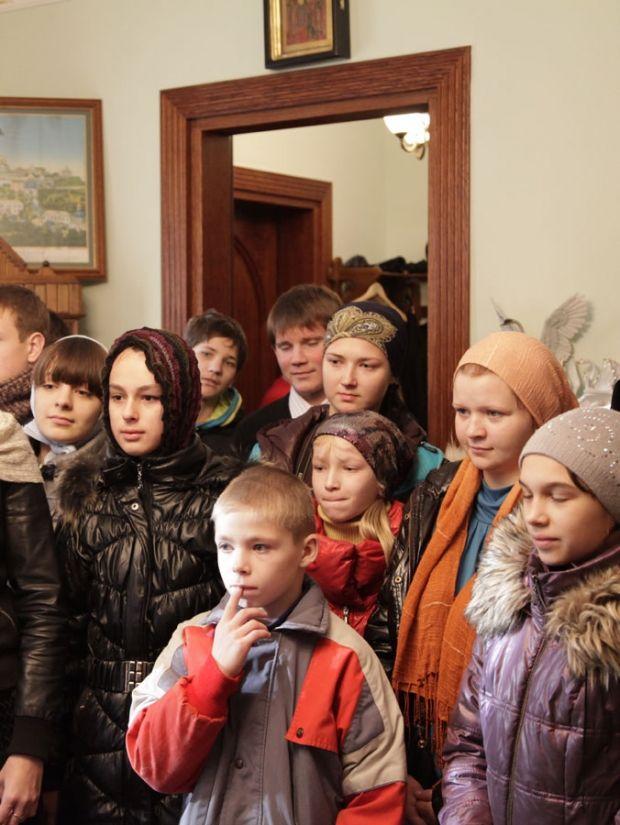 вихованці Криворізького навчально -виховного комплексу «Загальноосвітня школа- інтернат № 9 »
