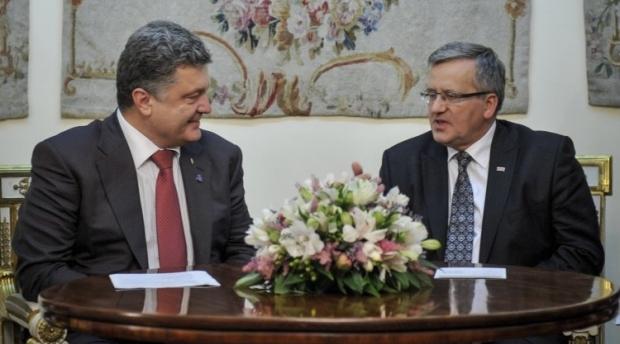Коморовский поздравил Порошенко