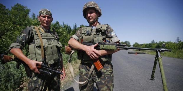 Terrorists fire at Ukrainian roadblock in Donetsk Oblast at night; there are injured people – Tymchuk / REUTERS