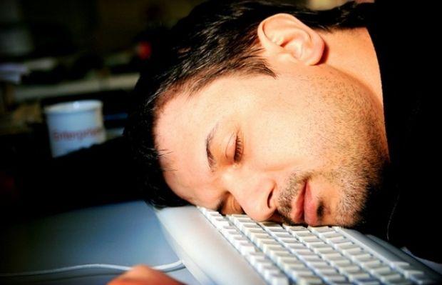Люди должны спать по 7-8 часов в сутки / Фото: musclefactory.ru