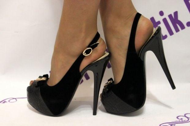В ЦОС рассказали о последствиях хождения на высоких каблуках / фото forwomen.su