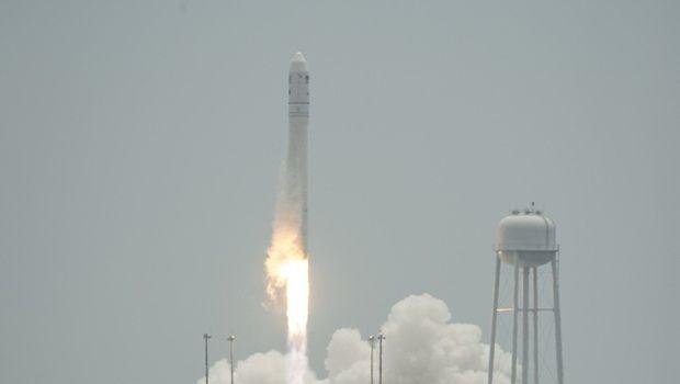 В США успешно запустили ракету