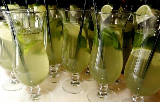 коктейль напиток / Фото: УНИАН
