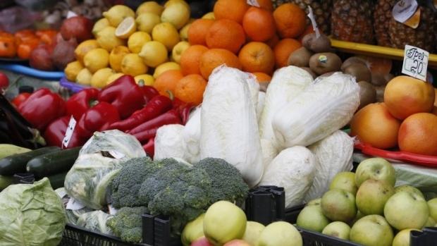 Работники детсада воровали у детей овощи и фрукты / фото УНИАН