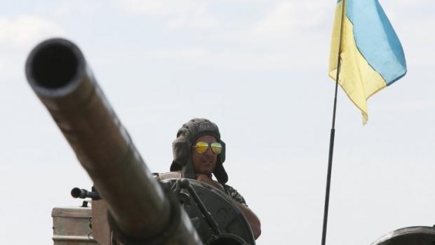 Танк Т-72АМТ проходит огневые испытания / фото УНИАН