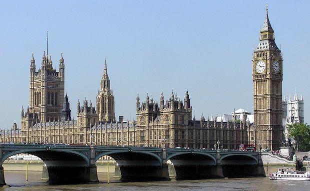 Лондон може зобов'язати оточення Путіна відзвітувати про свою власність в Британії - The Guardian