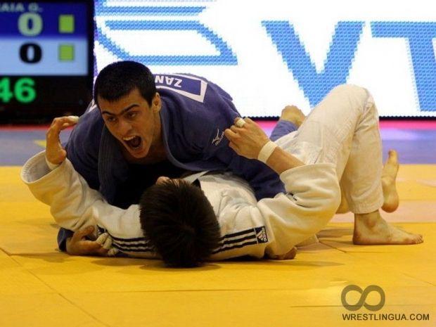 Георгия Зантарая (сверху) принес Украине первую медаль чемпионата мира / wrestlingua.com
