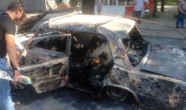 У Донецьку згорів автомобіль з трьома людьми / facebook.com/ivan.prikhodko.9