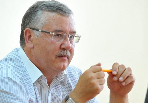 Анатолий Гриценко подробностей каких-либо переговоров не разглашает / фото УНИАН