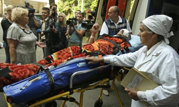 24 раненых лечатся за границей. Из них 10 - в Болгарии, 9 - в Германии, по 2 - в США и Венгрии и 1 - в Латвии / Фото: УНИАН