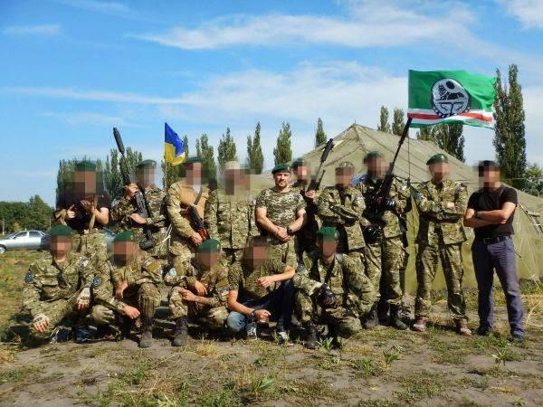 Чеченские активисты развернут на Майдане крупнейший в мире флаг Ичкерии, - Окуева - Цензор.НЕТ 1848